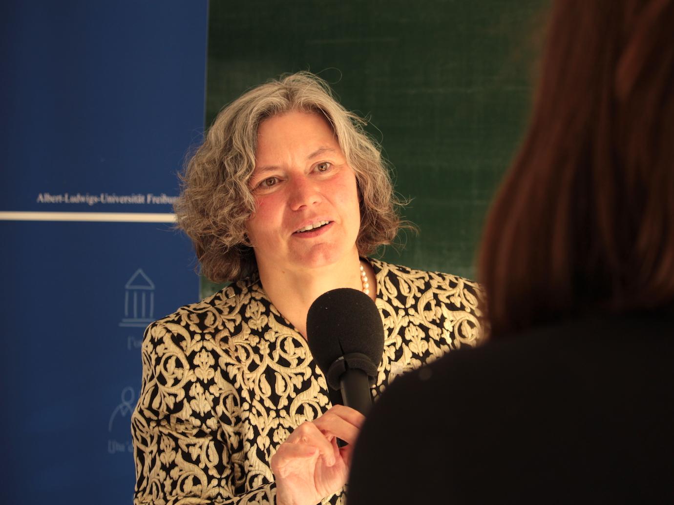 Beitragsbild Die erste Rektorin der Uni Freiburg