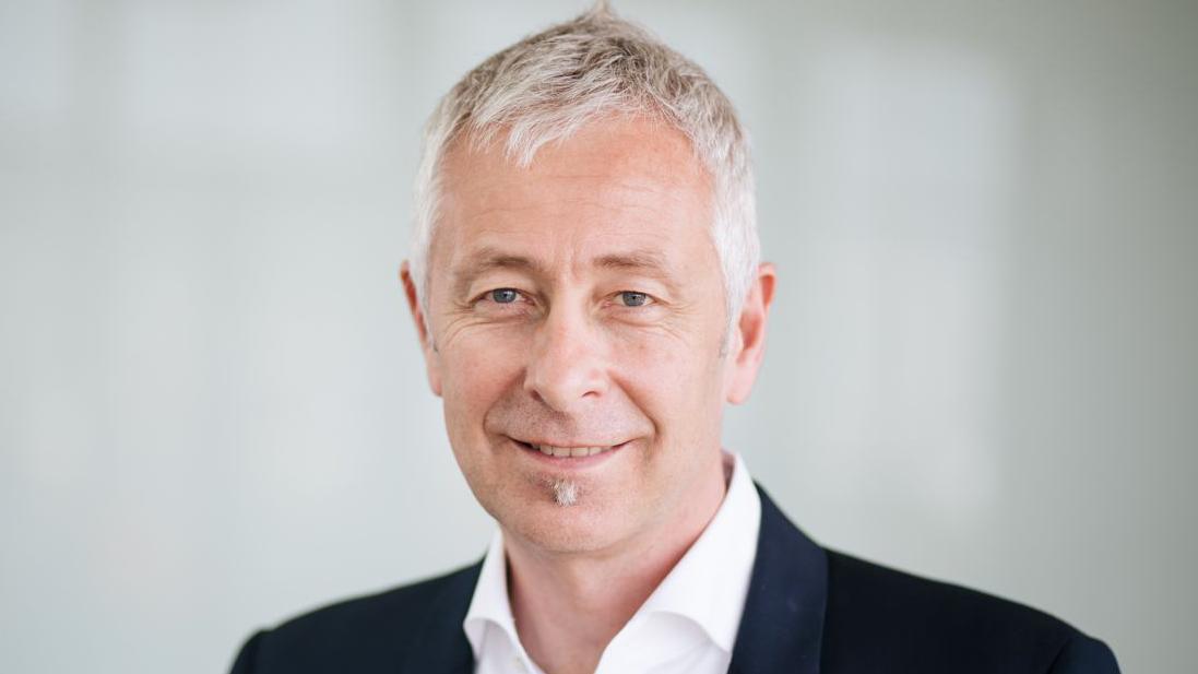 Beitragsbild Prof. Dr. Stefan Rensing, Zellbiologe und Prorektor